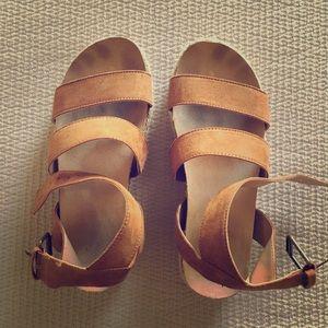 Universal Thread platform espadrille sandals